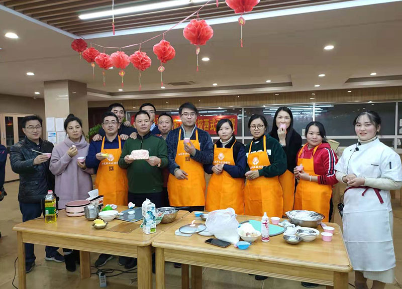普天乐工会举办面点技能培训 丰富职工业余生活